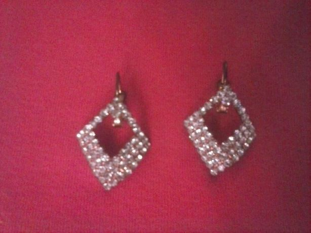 Серьги с камнями Fashion Jewelry