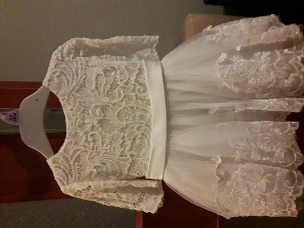 Sprzedam sukienkę do chrztu szyta na zamówienie rozmiar 62/68