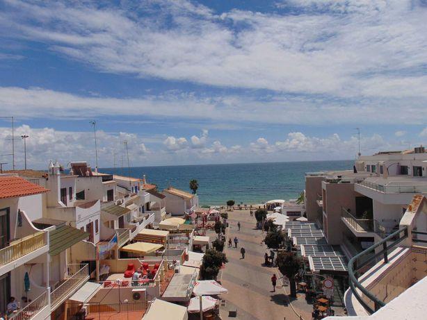 A 30 m da praia dos Olhos d'Água, apartamento T1 para férias