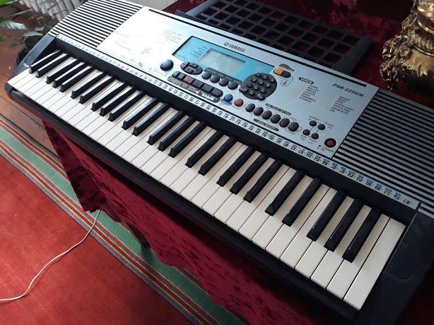 Продам синтезатор обміняю на синтезатор є оригінальна інструкція