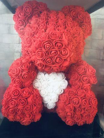 Ведмедик з роз