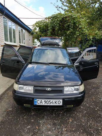 Автомобіль ВАЗ 2111