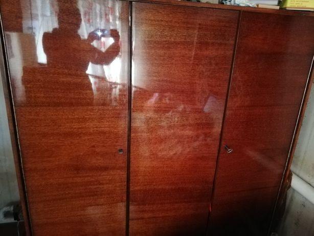 Шкаф на 3и двери СССР