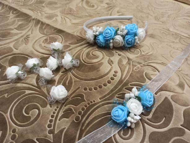 Opaska z biało-niebieskich kwiatków, bransoletka, spinki