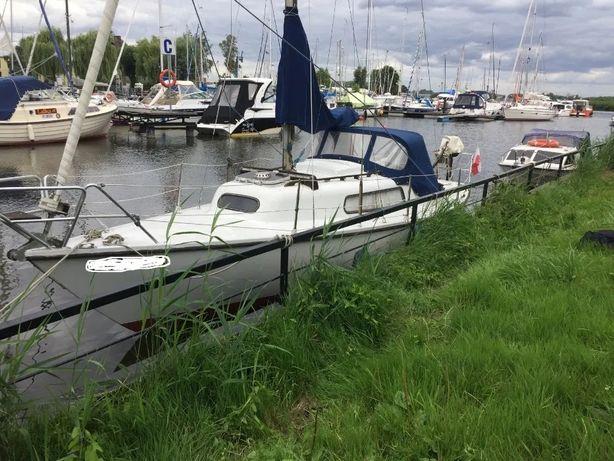 Jacht Żaglowy SPIRIT 24 z całym osprzętem i miejscem w marina Szczecin