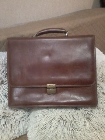 Продам портфель Roberto Folly в отличном состоянии