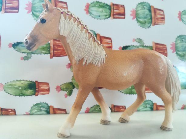 Koń schleich klacz haflinger