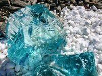Kamienie ogrodowe turkusowe lawa szklana