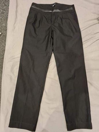 Spodnie czarne prostego kroju