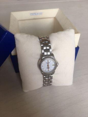 Продам женские часы Tissot Seastar T55.8.28.3.11