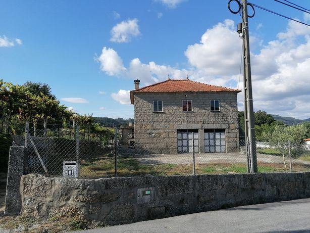 Terreno / Quinta com casa para restauro em Cruz