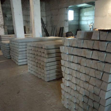 Стовпчики бетонні (столбики бетонные)