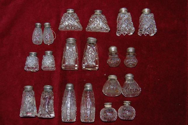 Solniczki kryształowe ze srebrnymi nakrętkami
