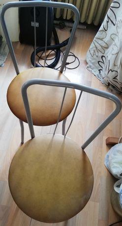 krzesła tapicerowane; cena za sztukę