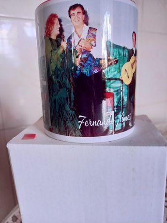 Chávena comemorativa Rainha do fado.