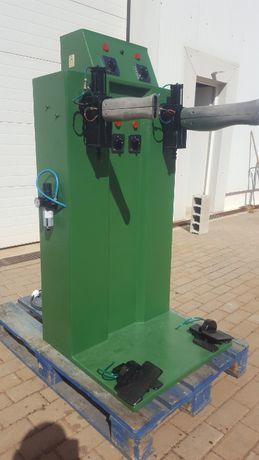 Maquina de moldar canos de botas com 2 moldes 1 grande e 1 pequeno