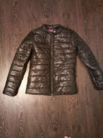 Продам женскую курточку осень-весна