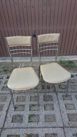 Dwa krzesla stan do poprawek