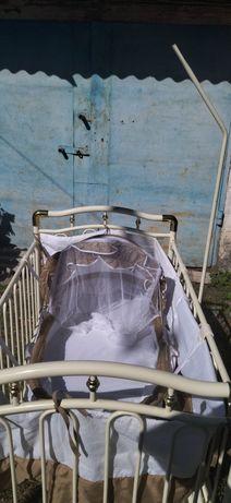 Продам кроватку детскую Geoby!!!