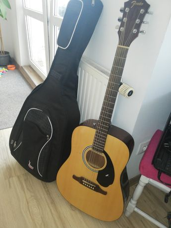 Gitara akustyczna Fender plus pokrowiec