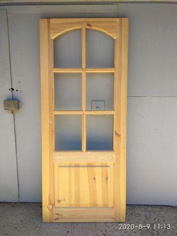 продам новую дверь деревянную