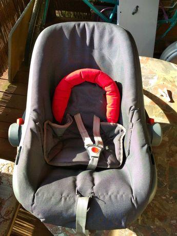 Fotelik samochodowy do 13kg z wkładką dla niemowlaka