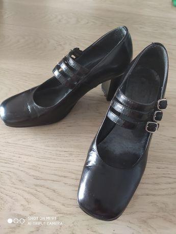 Czółenka ze skóry naturalnej, buty roz. 35, obcas słupek