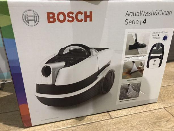 Пылесос моющий Bosch BWD41740 с аквафильтром пилесос