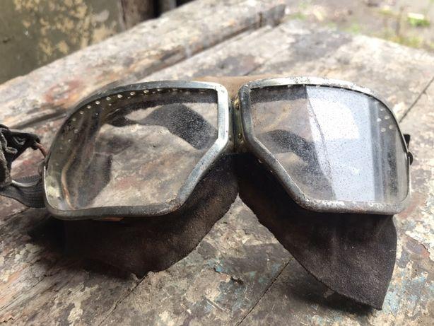 Защитные очки разные