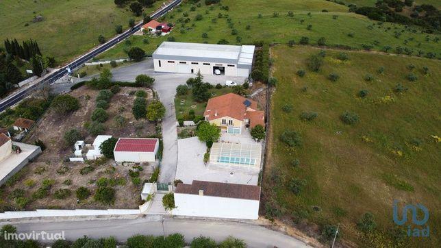 Moradia - 960 m² - T5
