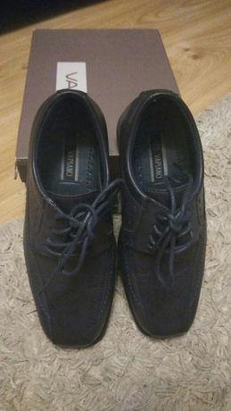 Eleganckie buty dla chłopca,  rozm. 33