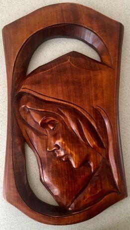 Płaskorzeźba drewniana