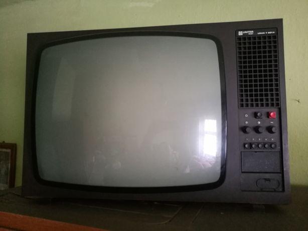 Stary telewizor Unitra zabytek czasy PRL