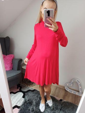 Czerwona sukienka S ciąża