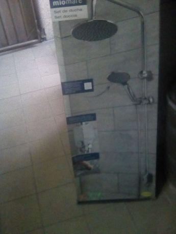 Coluna de duche nova