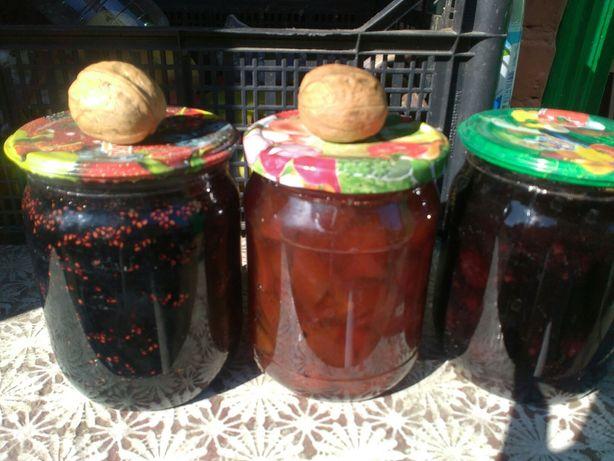 Вареня домашнє малина ожина вишня шовковця персик