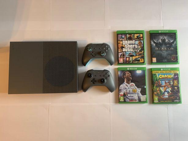 Xbox One S 500GB Szary (Grey) + 2 Pady + 4 Gry