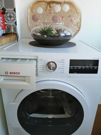 Máquina de secar roupa Bosch 8kg série 6 com mto pouco uso.