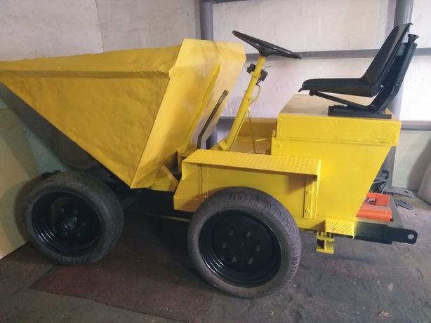Трактор с кузовом