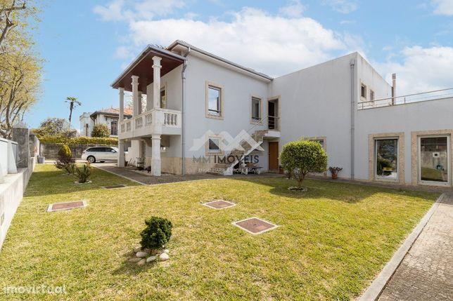 Moradia Remodelada | 4 Frentes | Francelos | 500 m Praia