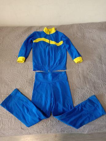 Тренировочный костюм на 4-5 лет