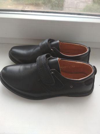 Туфли новые р34 .