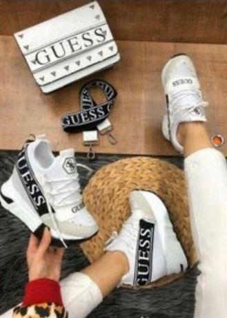 Buty damskie Guess. Białe z czarnym. Rozmiar 39. Sneakersy. Koturna