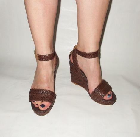 Tommy Hilfiger skórzane sandały damskie na koturnie sandałki NOWE 36