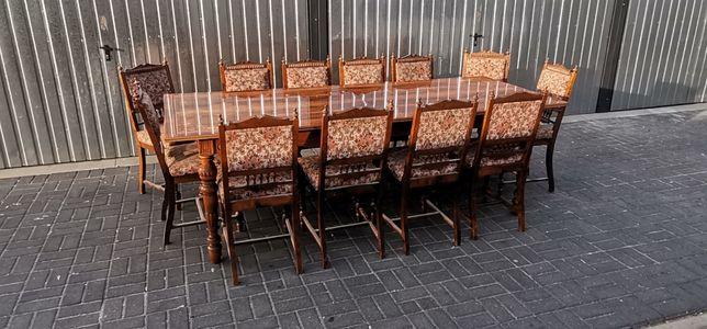 Stary dębowy stół na zdobionych nogach z 12 krzesłami