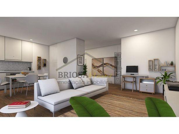 Apartamento T3, com garagem, na Figueira da Foz
