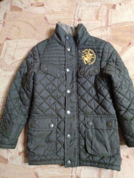 Продам демисезонную куртку для мальчика