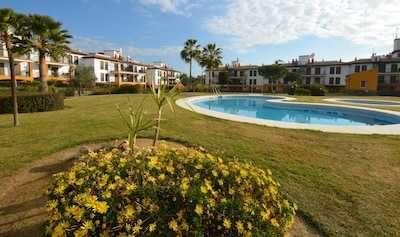 Apartamento T2 com piscina para férias- Algarve