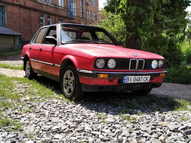BMW e30, седан, бензин