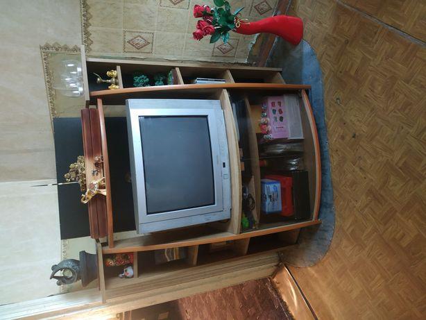Тумбочка с телевизором 5000₽